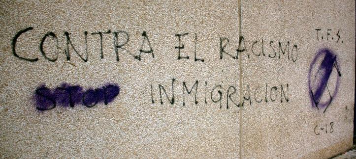 Pintada neonazi signada pel grup 'Terrassa from skins' a Viladecans
