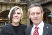 El president de PxC, Josep anglada, amb Sandra Roig, una trànsfuga del PP.