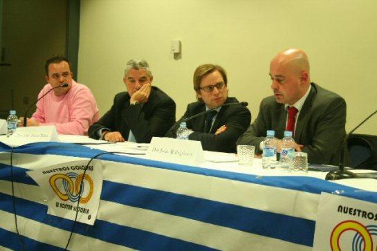 Acte de presentació del grup 'Español, futuro y tradición', el desembre del 2009 en un hotel barceloní. L'advocat Fuster-Fabra comparteix taula amb Roberto Hernando, ara l'home fort de PxC, i Juan Garriga, també a PxC.