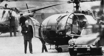 Charles de Gaulle, el maig del 68, fugint dels estudiants, un any abans de fer un plebiscit.